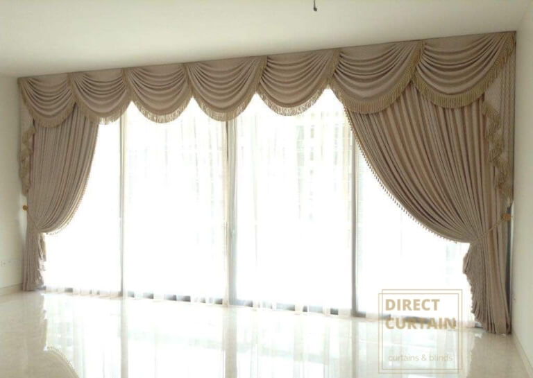 Scallop curtains