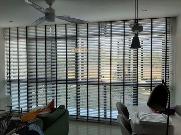 bright white pvc venetian blinds in living room