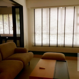 venetian-blinds-singapore-condo-living-room