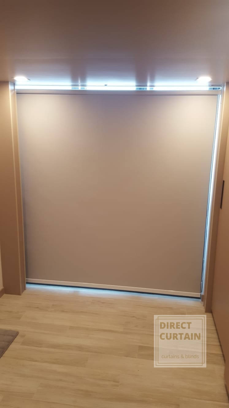 Roller Blinds from ceiling to floor